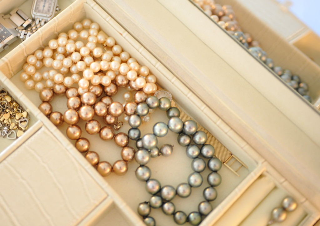 303_Storing_strands_of_pearls